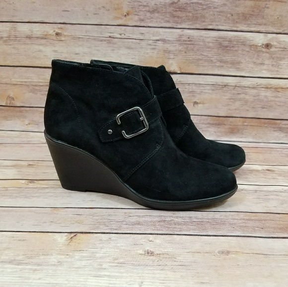785c0b337d9 Clarks Shoes - Clark s Artisan 6.5 6 1 2 Ankle Boots Booties